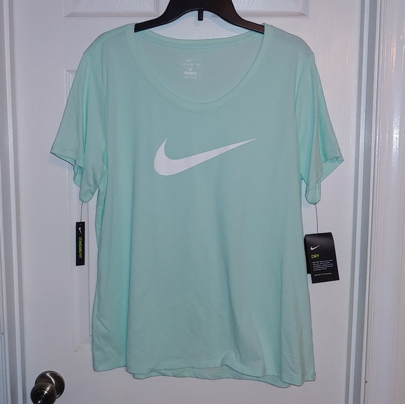 Nike T Shirts Womens Plus 1X 2X 3X New Dri Fit n Cotton Athletic Graphic Tees